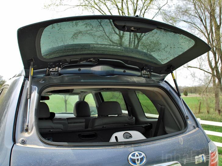 Rsz-toyota-highlander-hybrid-rear-window